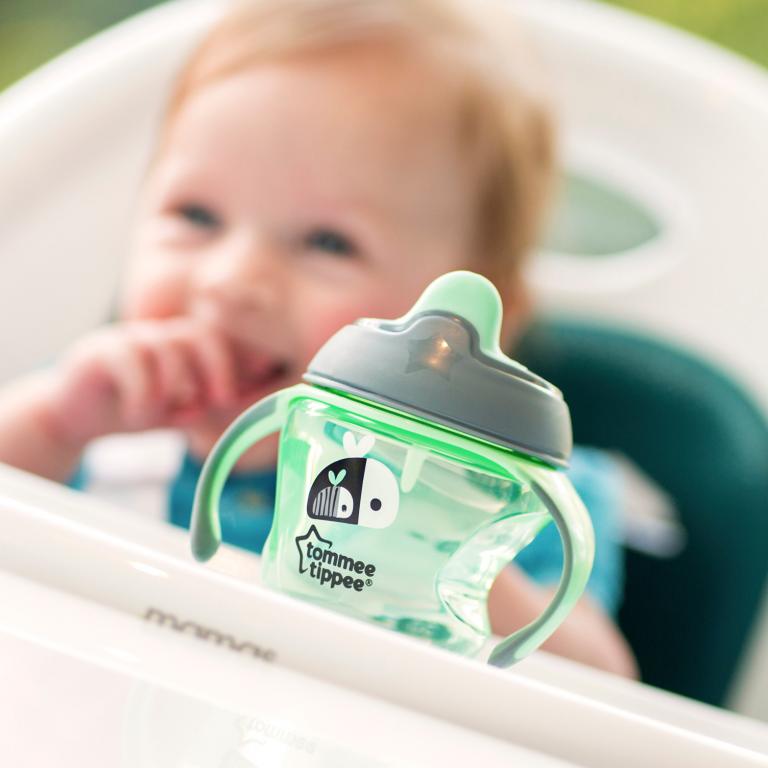 Kinh nghiệm hữu ích khi sử dụng bình tập uống chuyển tiếp cho bé
