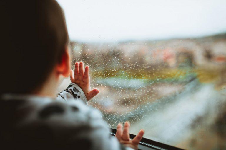 5 cách để bảo vệ con yêu của bạn khỏi các căn bệnh trong mùa mưa